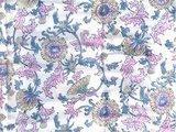 stofdetail deken quilt peuter/kind - blockprint op wit: bloem