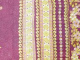 stofdetail achterkant sierkussenhoes 60x60  funky vintage dessin 3