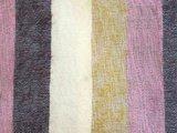 stofdetail deken-plaid wolmix/katoen-6 gemêleerd oker/roze/bruin streep