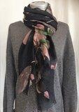 UITVERKOCHT-sjaal merino wol-big pink flower/black_