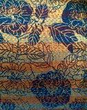sierkussen 60x40 vintage zijde/linnen 1 -zwarte bloem op goud/oker_