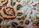 UITVERKOCHT-sierkussen 60x40 vintage zijde/katoen 2 -rozen op zilver/wit_