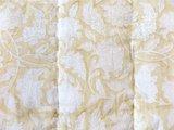 stofdetail deken quilt eenpersoons reversible blockprint -zacht geel/grijs op wit