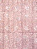 stofgetail kimono quilted katoen -powder  blockprint on white/ flower branche