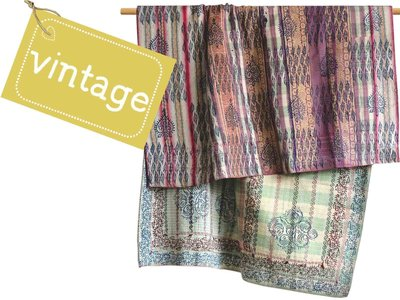 deken / quilt vintage blockprint 1 -with embroidery on sari borders & checks