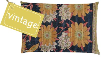 UITVERKOCHT-sierkussenhoes 60x40 vintage 4 - daisy flowers warm yellow, coral, soft green and black