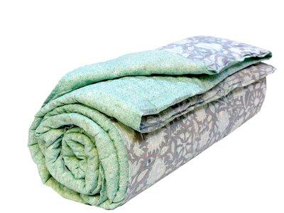 UITVERKOCHT- deken quilt eenpersoons blockprint -grijs-emerald-bloem