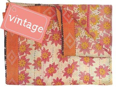 UITVERKOCHT-deken quilt vintage katoen- border en extra borduur