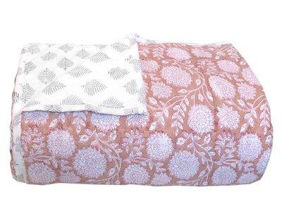 deken quilt eenpersoons reversible blockprint -roze abrikoos/grijs