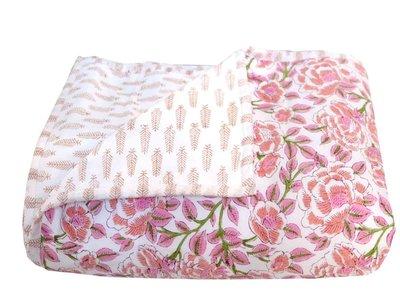 deken quilt peuter/kind - blockprint op wit: bloem/blaadje