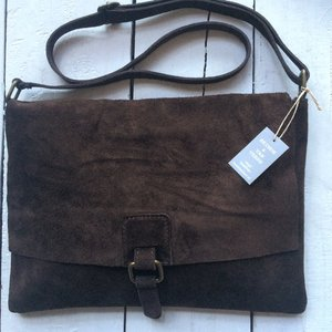 tas suede met flap 4- dark chocolate