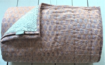 deken quilt eenpersoons reversible blockprint -koraalroze/grijs