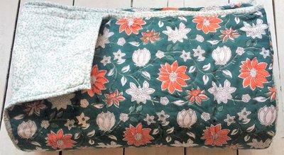 UITVERKOCHT-deken quilt eenpersoons reversible blockprint -groen-wit-oranje/lichtgroen
